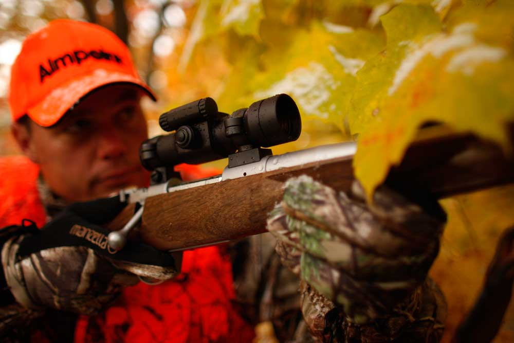 //www.petersenshunting.com/files/huntings-2015-fathers-day-gift-guide/aimpoint_1.jpg