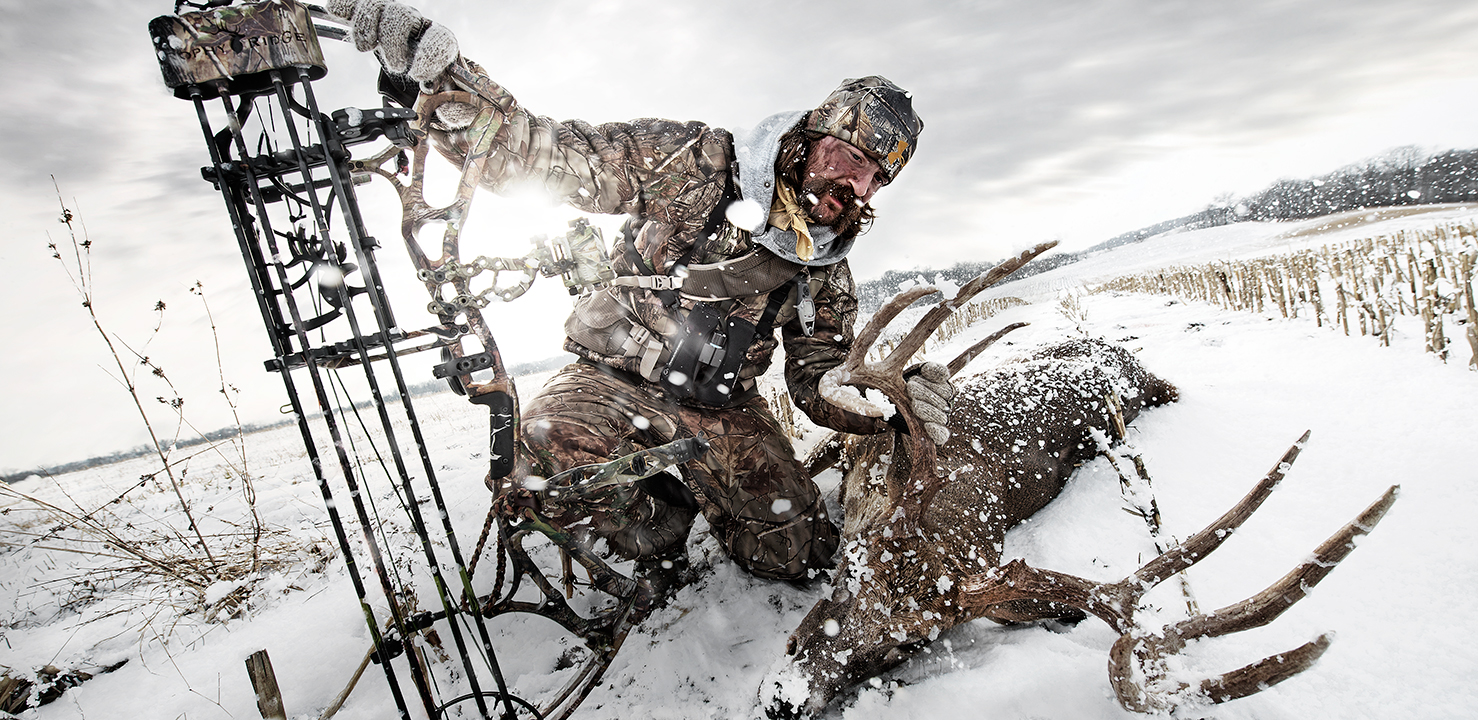 //www.petersenshunting.com/files/huntings-most-amazing-images/whitetail_monster_recovery_snow_sunflare_189-0-x-92-0_flat_ltk8254.jpg
