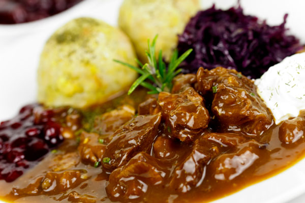 //www.petersenshunting.com/files/related-6-great-venison-recipes-for-date-night/3goulash.jpg