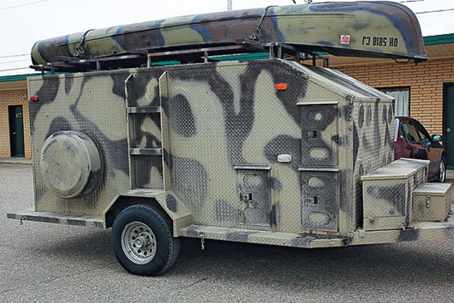 Trailers for traveling with hunting dogs