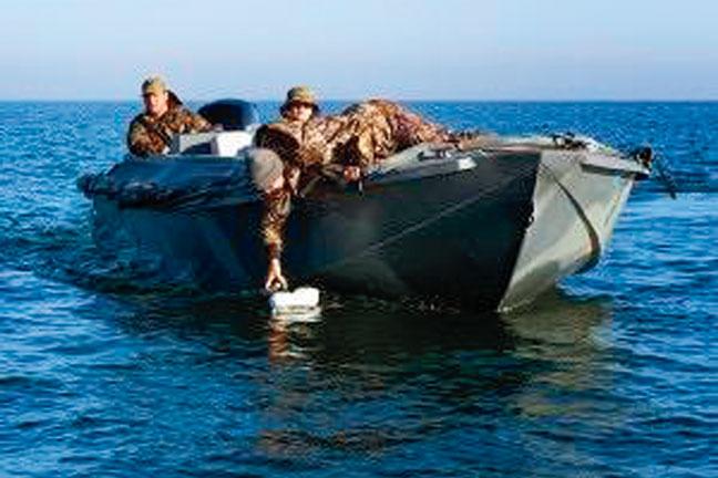 Duck-Water-Ocean-23-Waterfowl-Boat