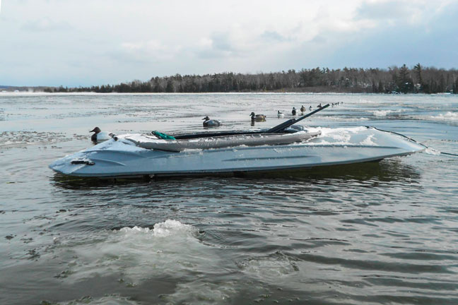 Mighty-UFO-Layout-Waterfowl-Boat