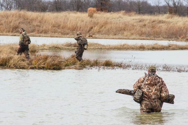 deadly-hunt-for-waterfowl