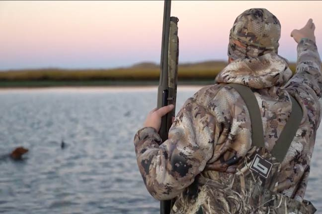 2017 Waterfowl Trailer: Eagles' Quarterback Stars in Wentz Bros Outdoors