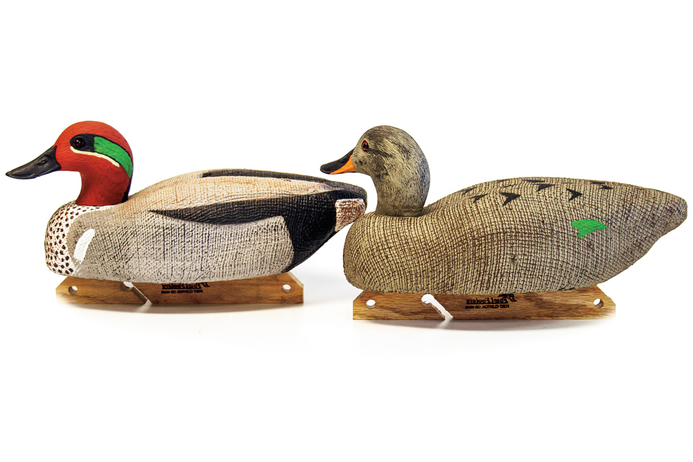 //www.wildfowlmag.com/files/best-new-waterfowl-decoys-for-2015/fowlfoolers_burlapdecoy.jpg
