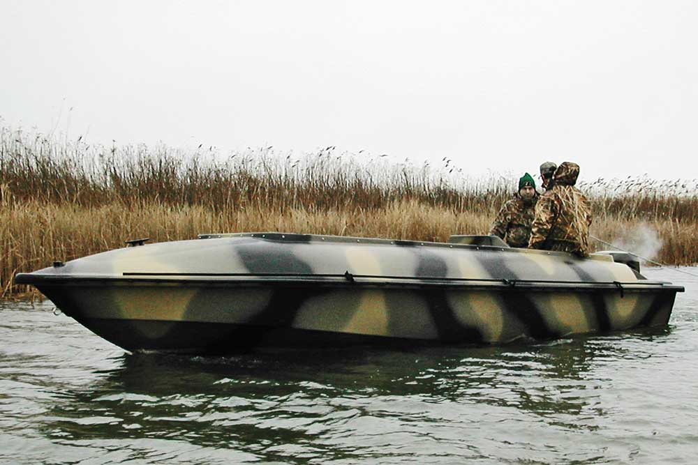 //www.wildfowlmag.com/files/best-waterfowl-boats-for-2014/bankes-21-goliath.jpg