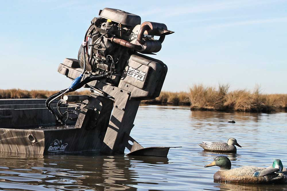 //www.wildfowlmag.com/files/best-waterfowl-boats-for-2014/gator-tail-gtr-35l.jpg