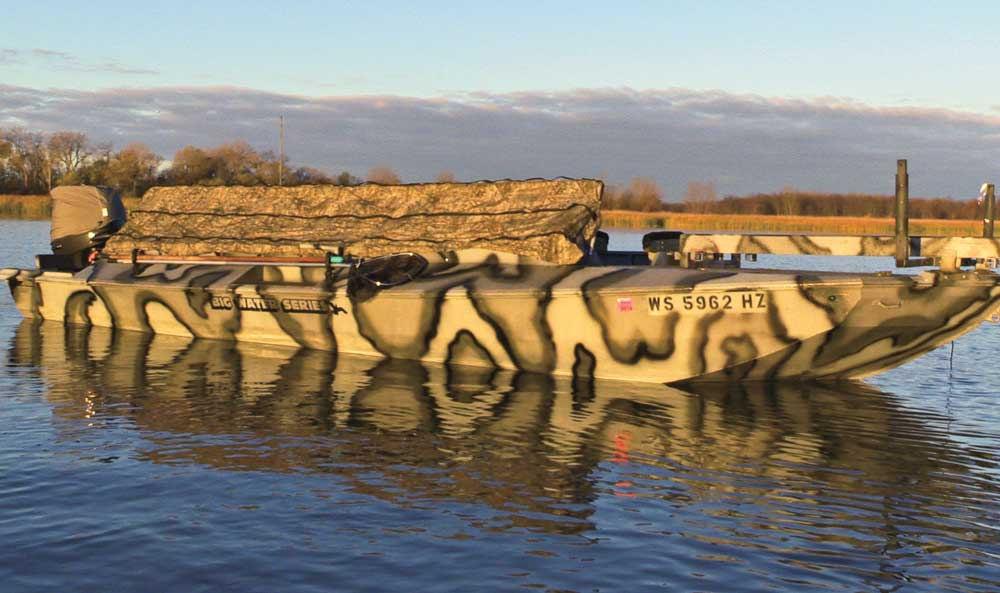 //www.wildfowlmag.com/files/best-waterfowl-boats-for-2014/phowler-big-water.jpg