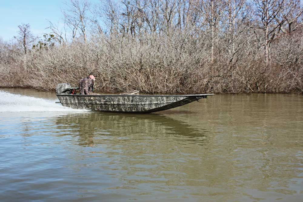 //www.wildfowlmag.com/files/best-waterfowl-boats-for-2014/war-eagle-544-warhawk.jpg