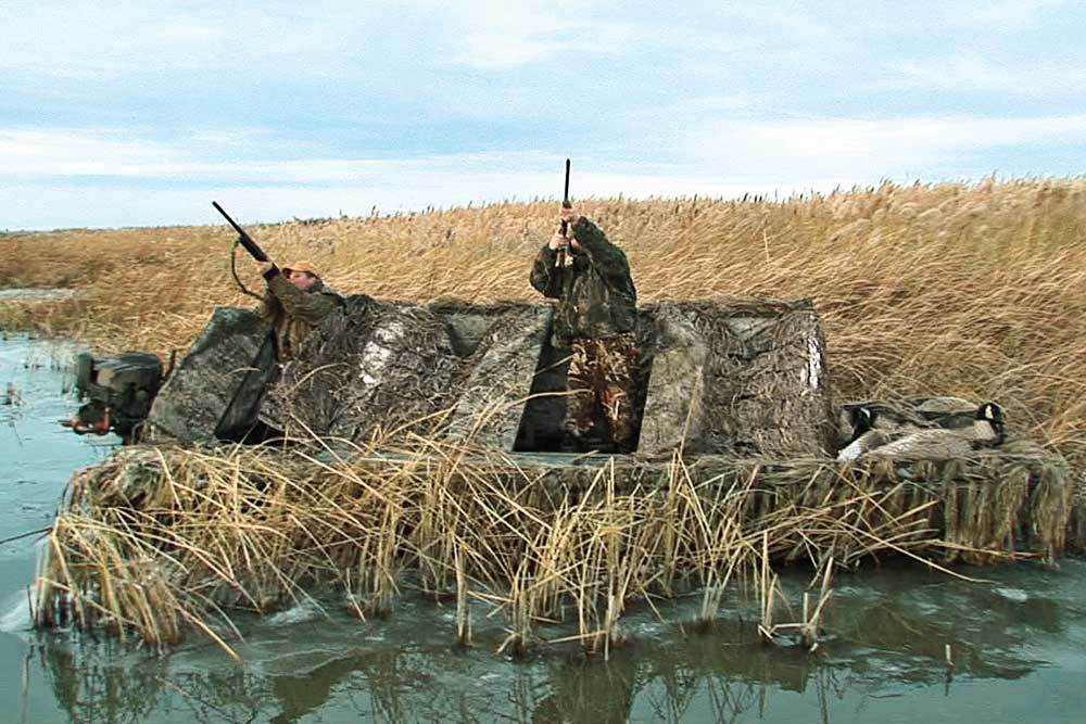 //www.wildfowlmag.com/files/hot-new-waterfowl-blinds-for-2014/phowler.jpg