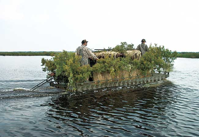 //www.wildfowlmag.com/files/new-duck-blinds-for-2013/go-devil_floating_duck_blind.jpg