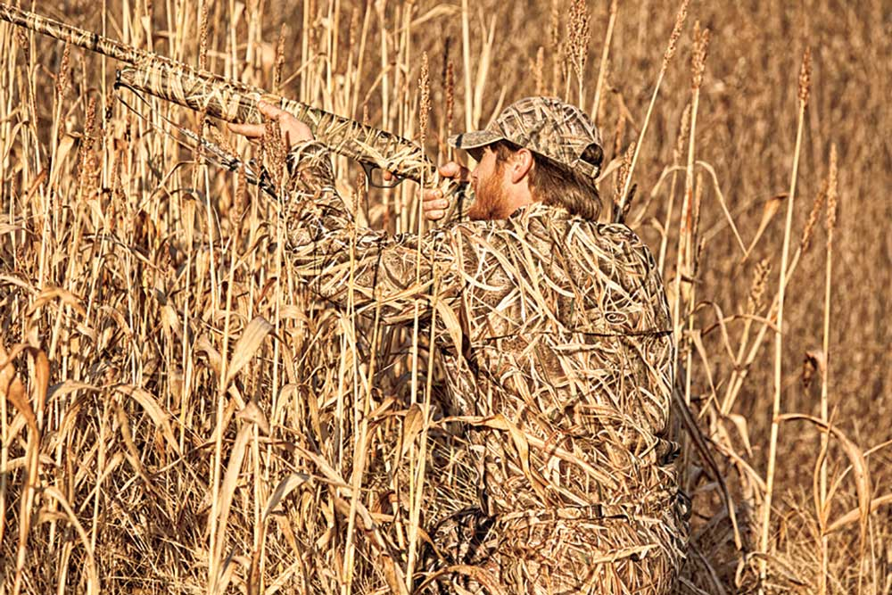 //www.wildfowlmag.com/files/new-waterfowl-camo-clothing-for-2014/mossyoak_shadow.jpg