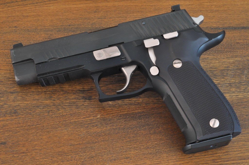 Hogue Extreme Series Grips for the SIG P226