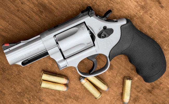 Review S&W Model 69 Combat Magnum