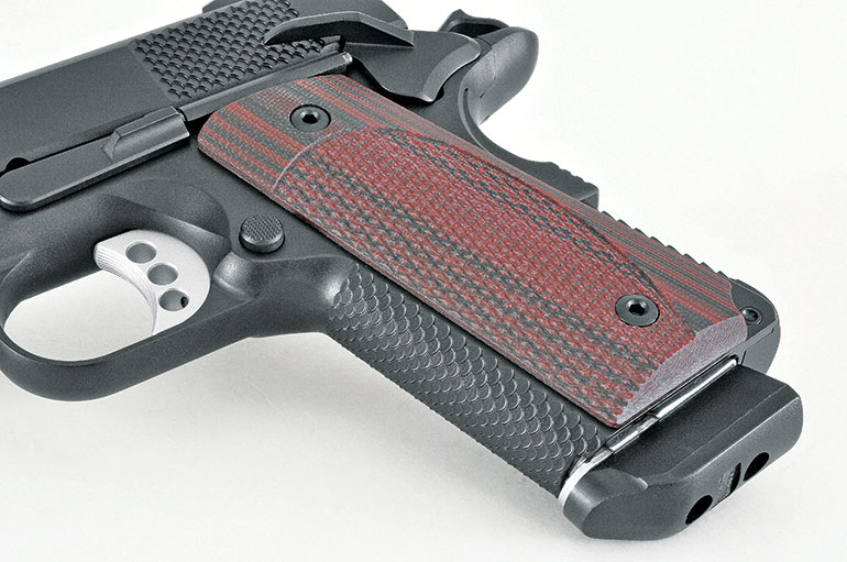 The CCO LW has VZ G10 grips and Ed Brown Snakeskin checkering on the frontstrap and mainspring housing to help keep the pistol secure in the hand. The supplied eight-round mag features a large bumper.
