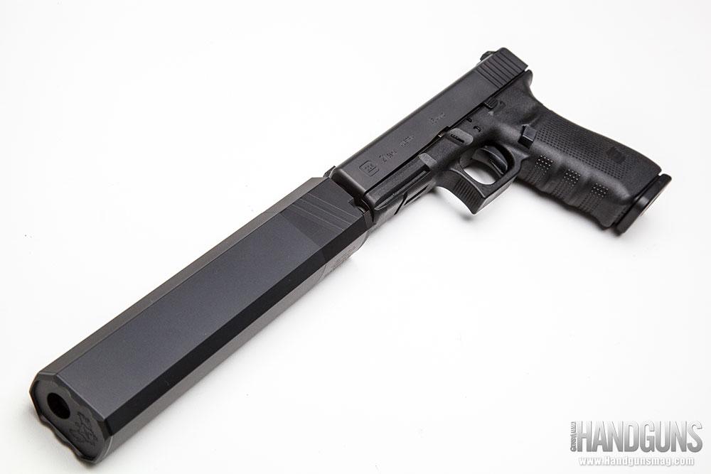 http://www.handgunsmag.com/files/silencerco-osprey-review/silencerco_osprey_review_2.jpg