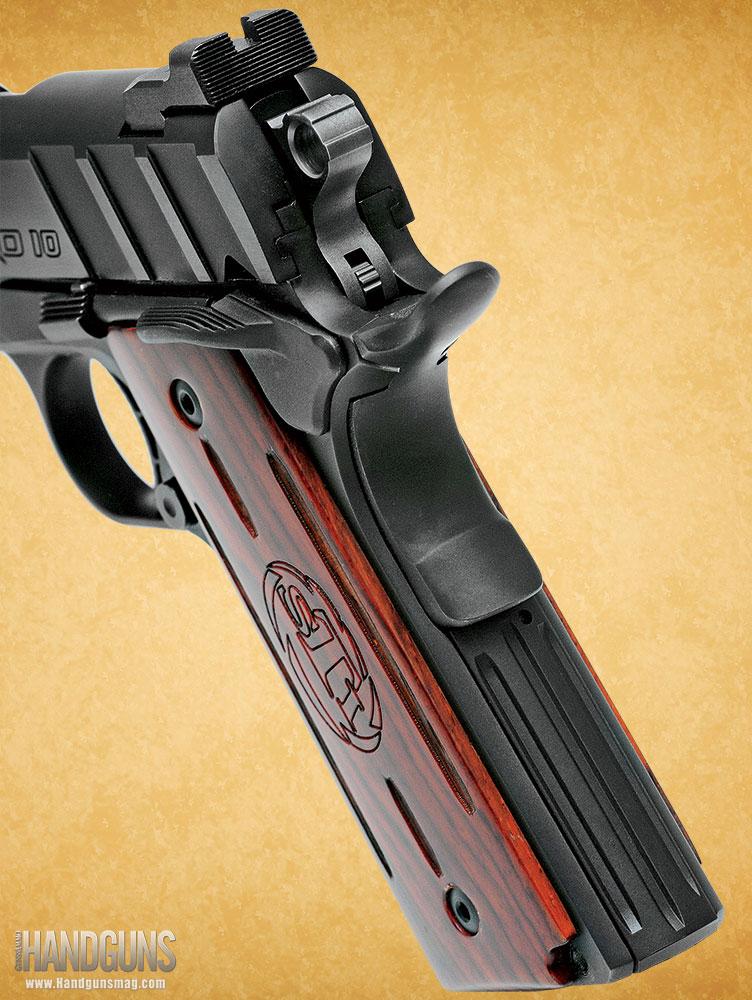 http://www.handgunsmag.com/files/sti-nitro-10mm-1911-review/sti_nitro_10mm_1911_review_3.jpg