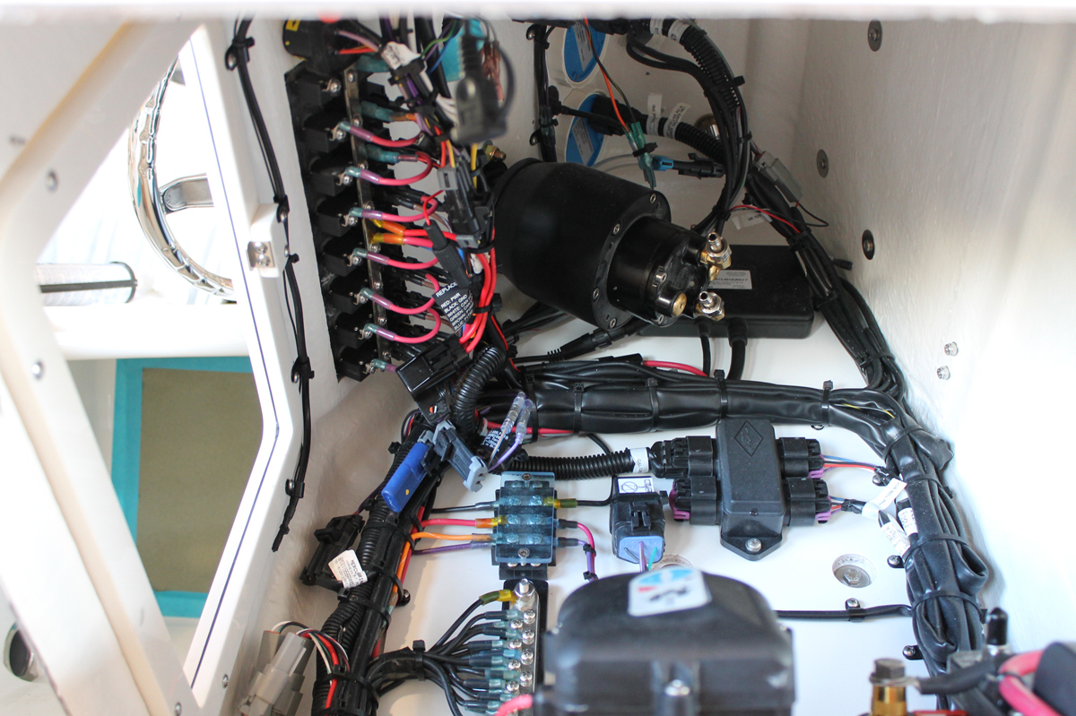 IMG_3269 bluewater 180 florida sportsman bay boat wiring at nearapp.co