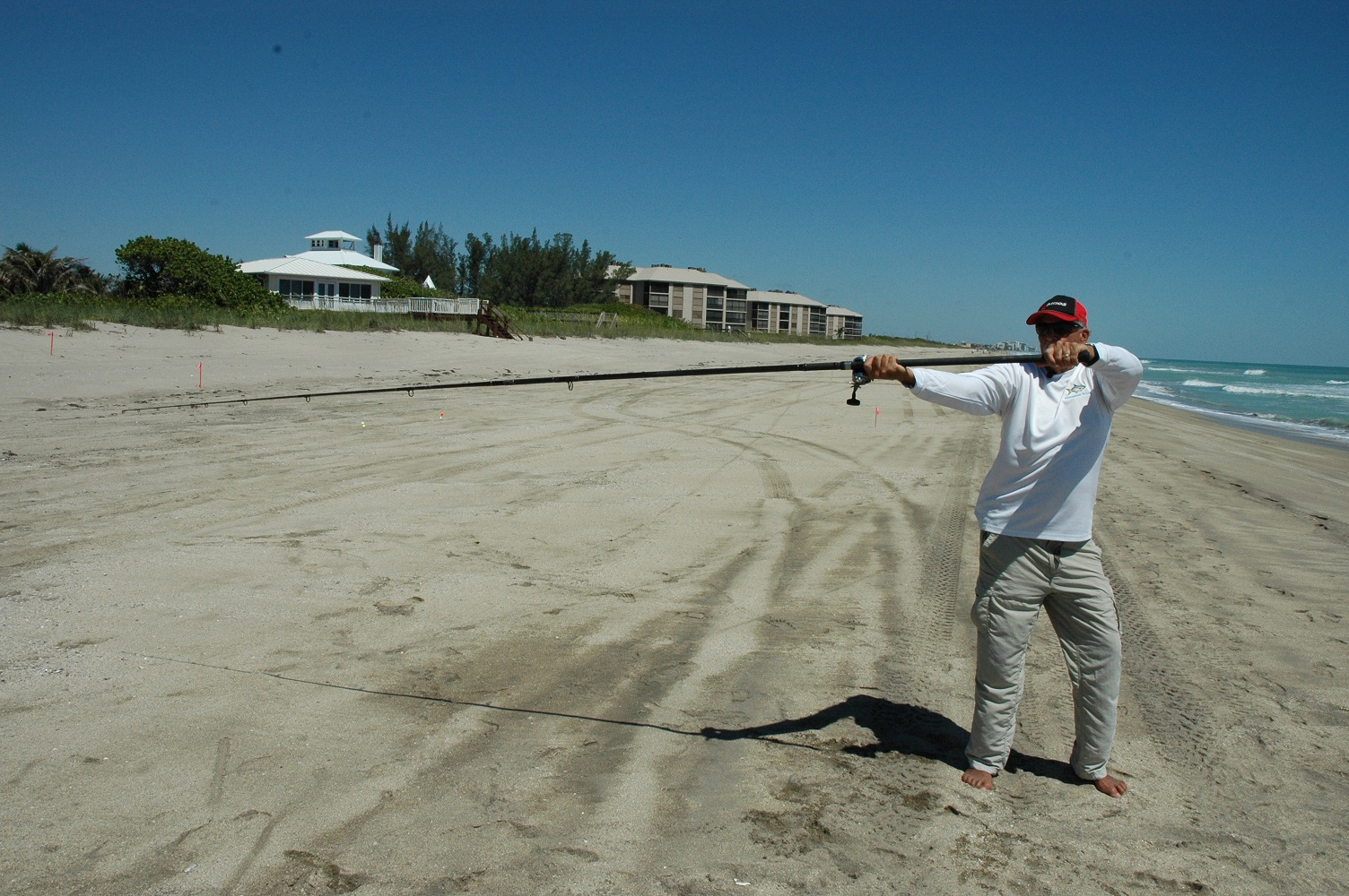 Surf fishing gear the pros use florida sportsman for Best surf fishing rods