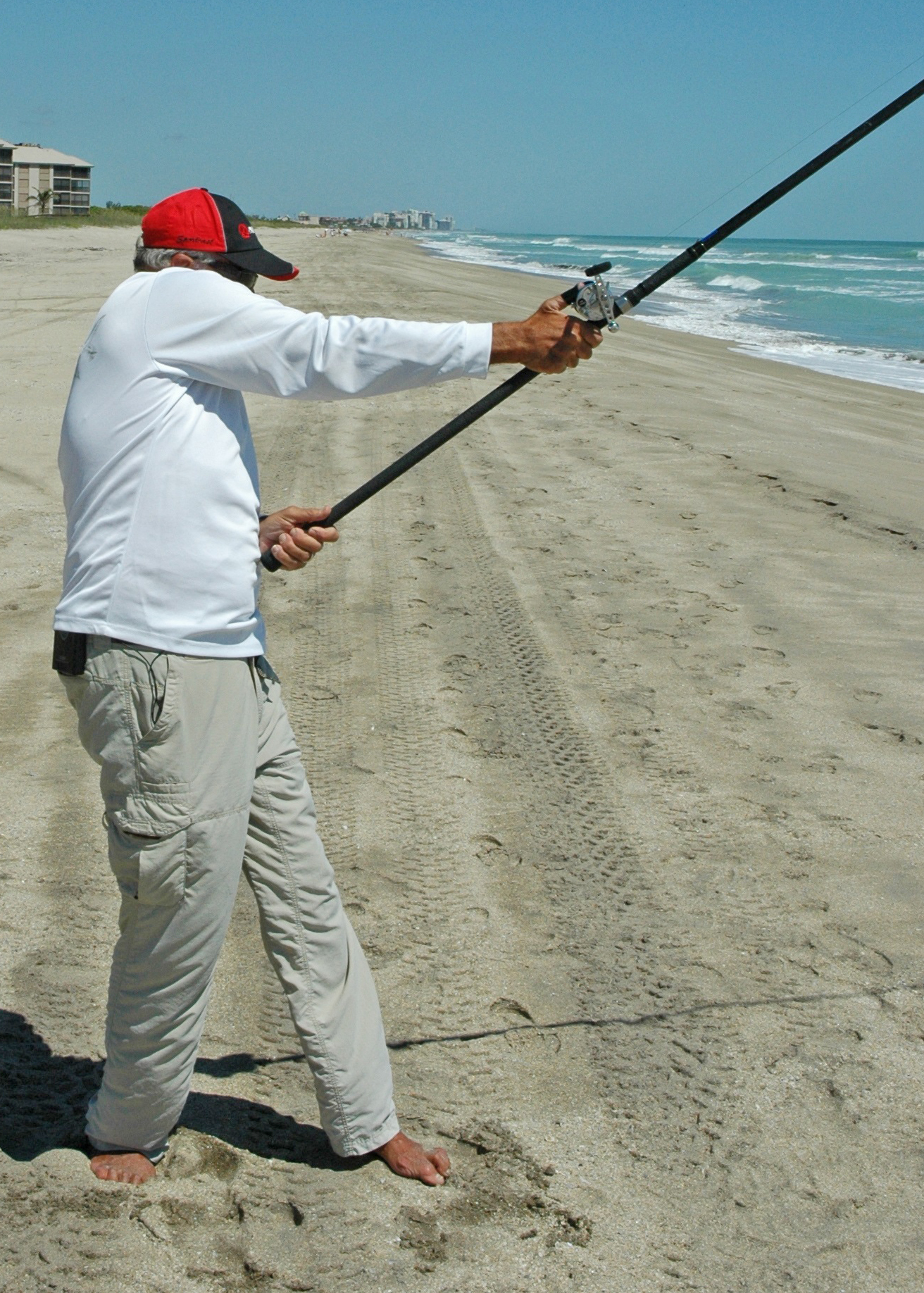 How to Cast With a Surf Rod on a Beach recommend