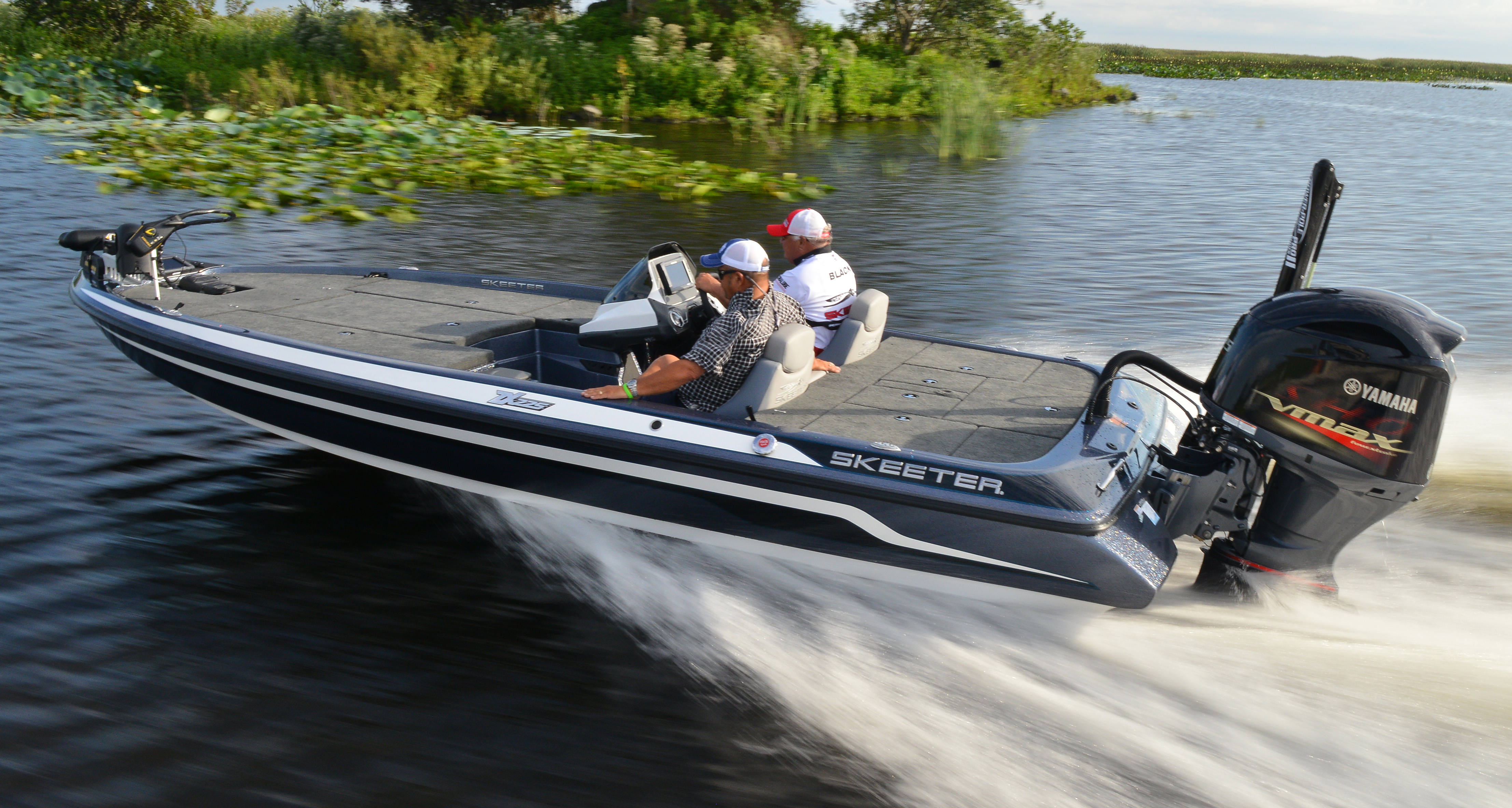 New outboards for 2015 florida sportsman for Bass boats with evinrude motors