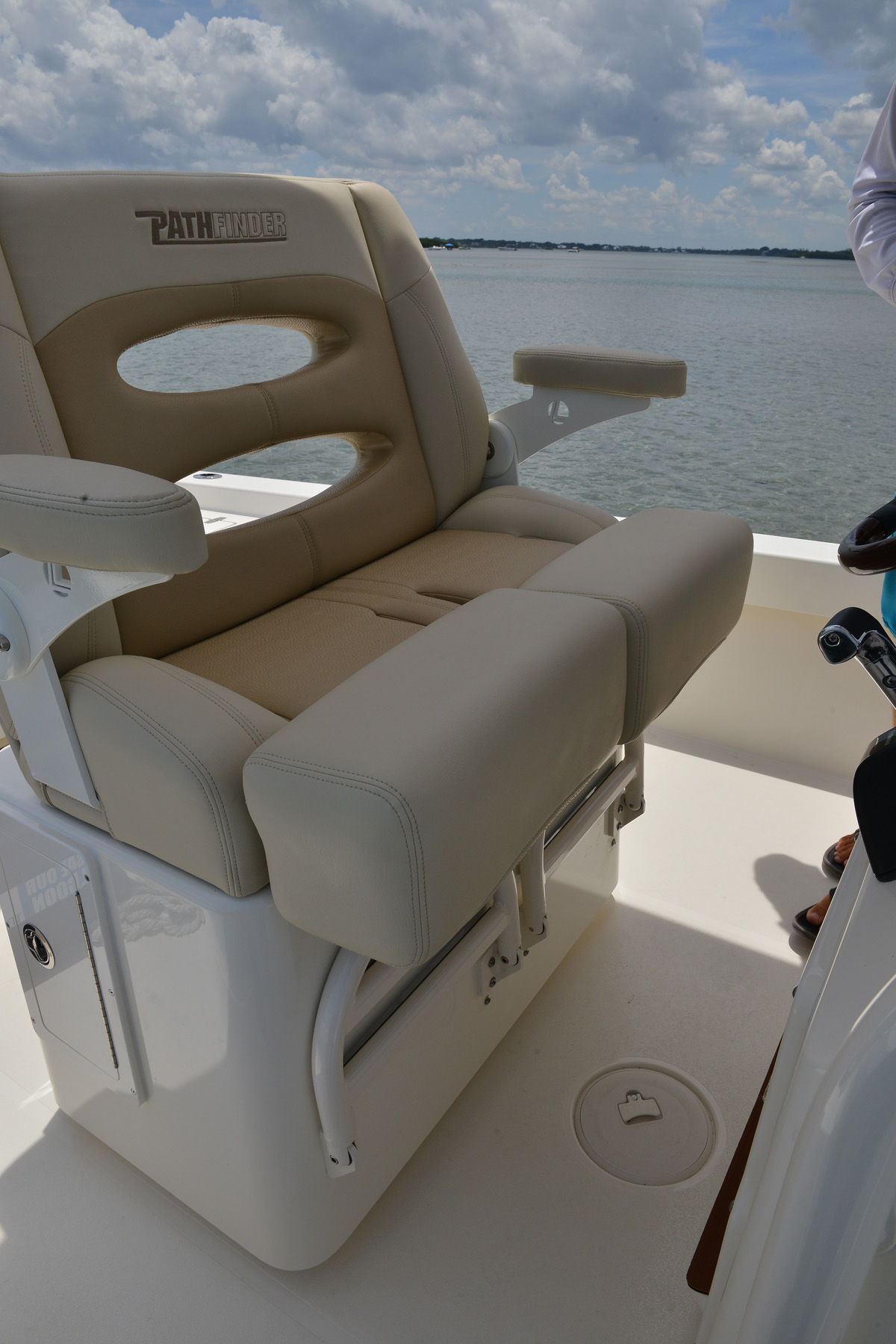 Boat captains chairs - The Luxurious Helm Seat Has Rotating Bolsters That Allow The Captain And Passenger To Stand Or Sit Independently