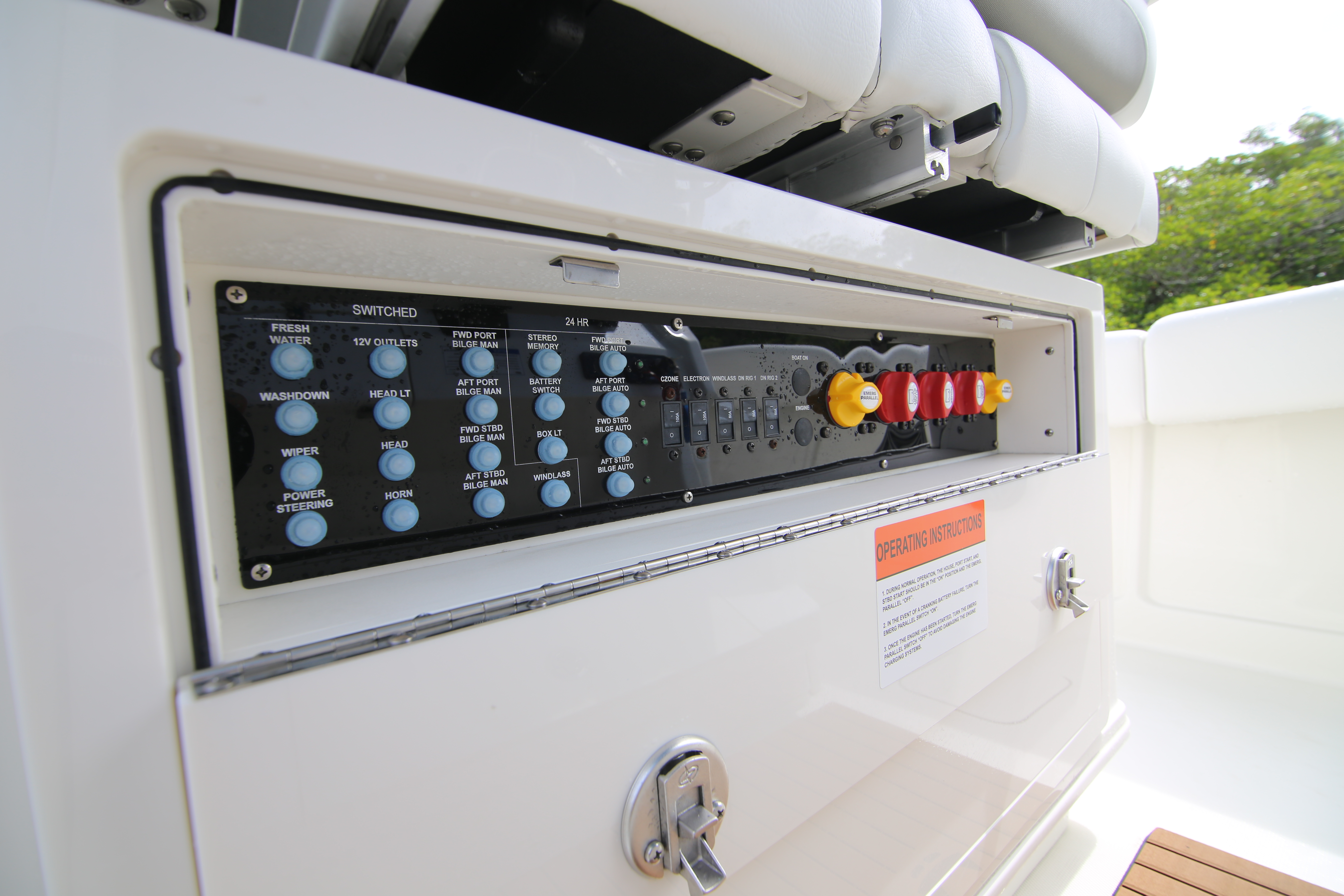 World Cat 280 CC-X Switch Panel Review