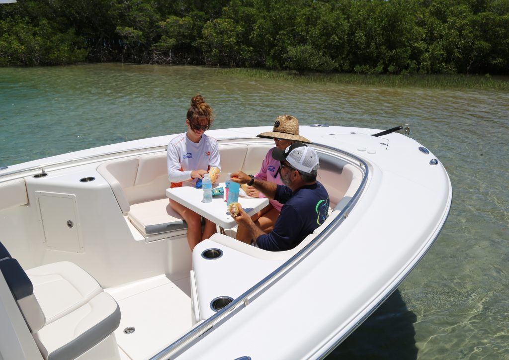 Robalo R302 Forward Seating Review