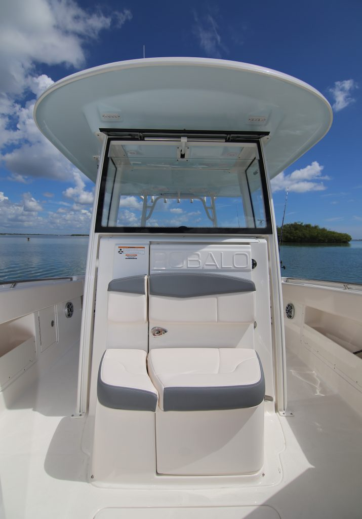 Robalo R302 Console Review