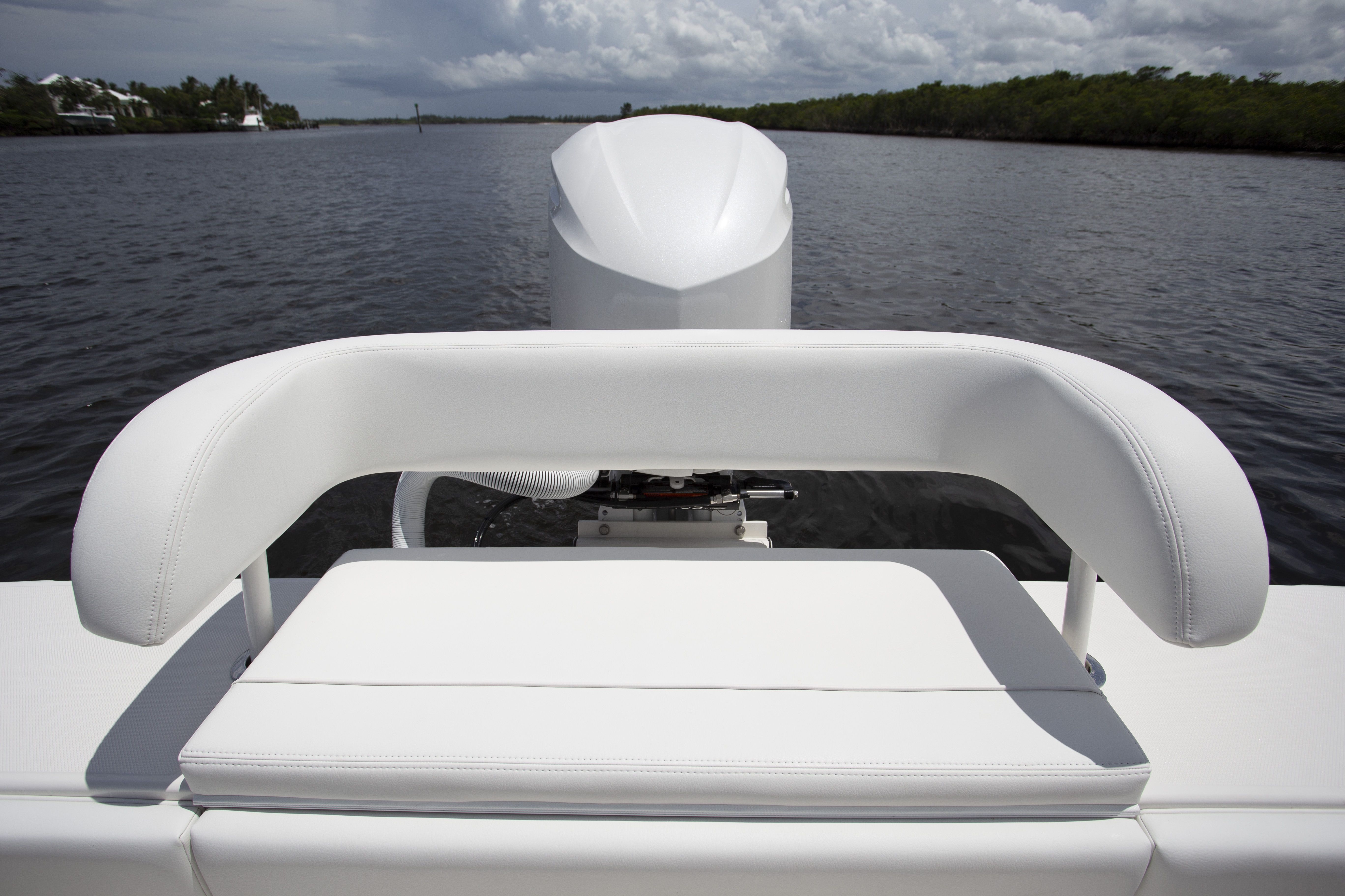 Jupiter 25 Bay Transom Seat Review
