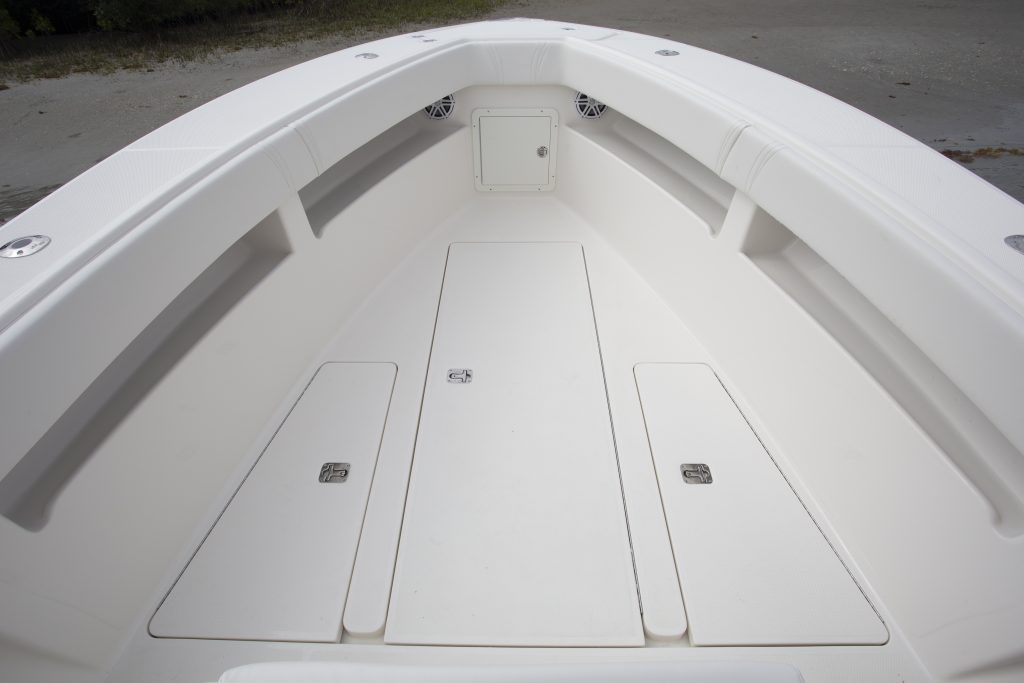 Seavee 290B Front Deck Review