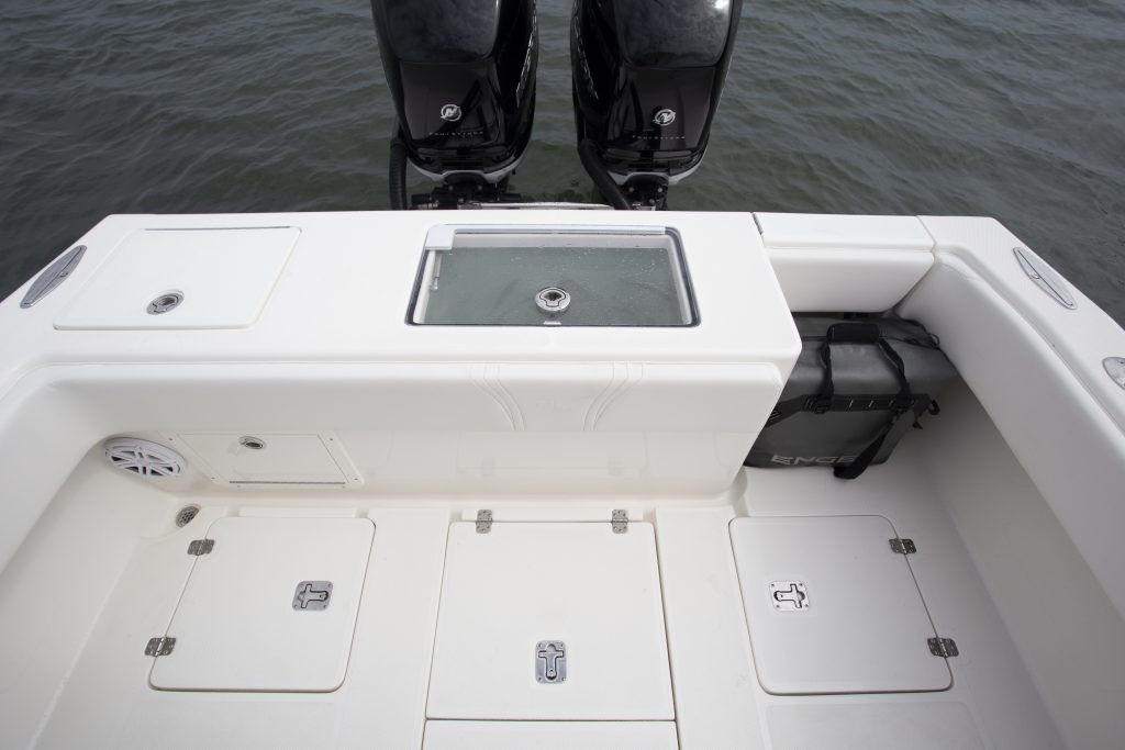 Seavee 290B Transom Review
