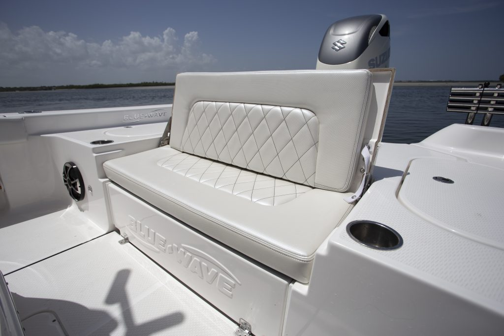 Blue Wave 2800 Pure Hybrid Aft Seating Review