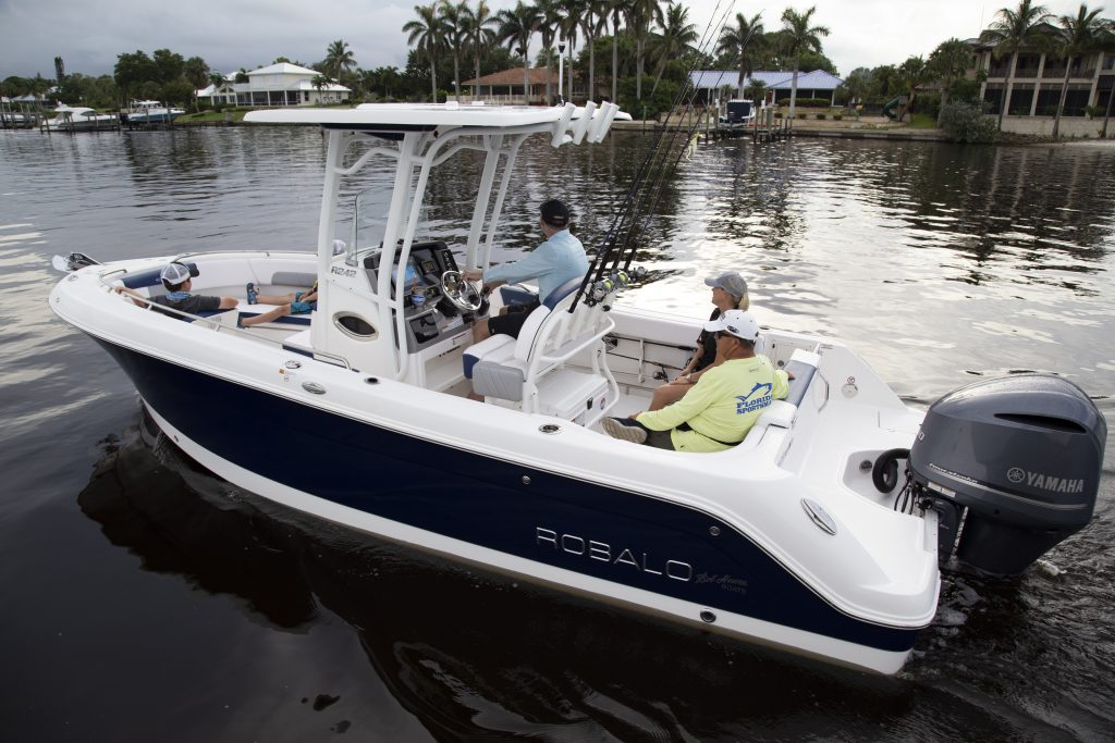 Robalo 242 Explorer Idle Review