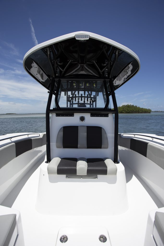 Cape Horn 32XS Console Review