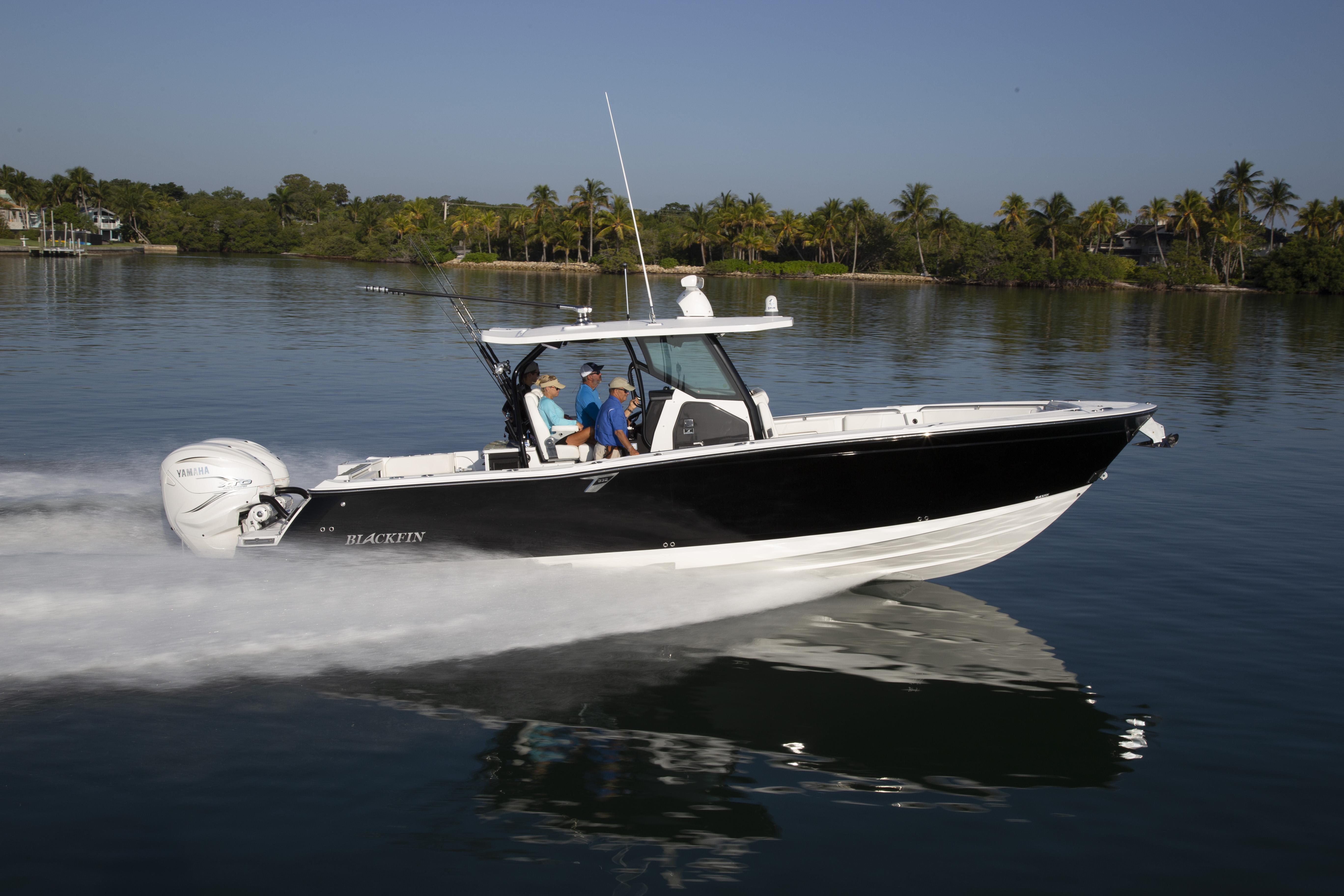 Blackfin 332CC