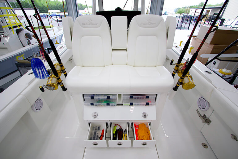 regulator 31 boat review