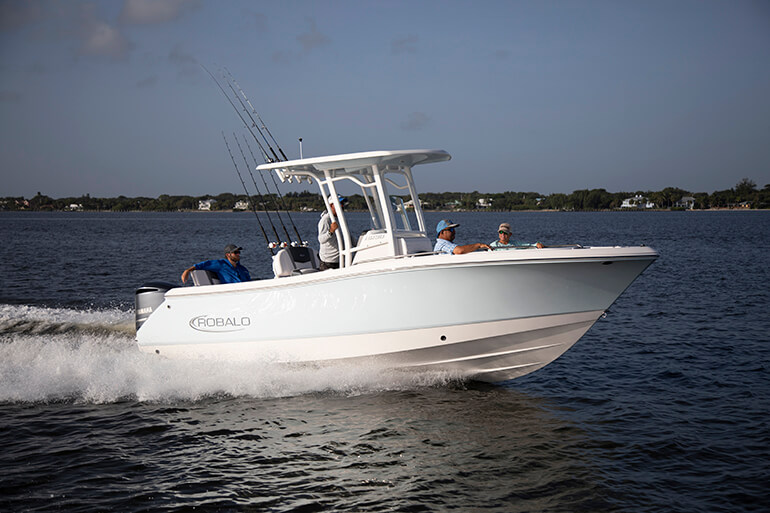 Robalo R230 review