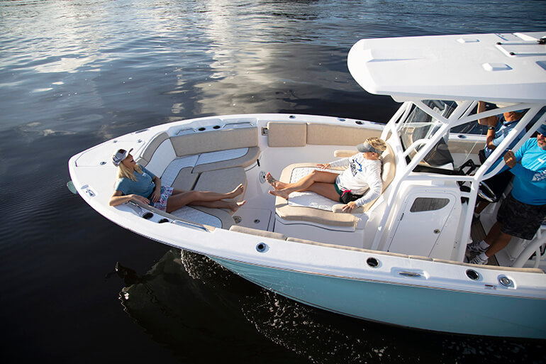 Sea Fox 268 Commander bow seating
