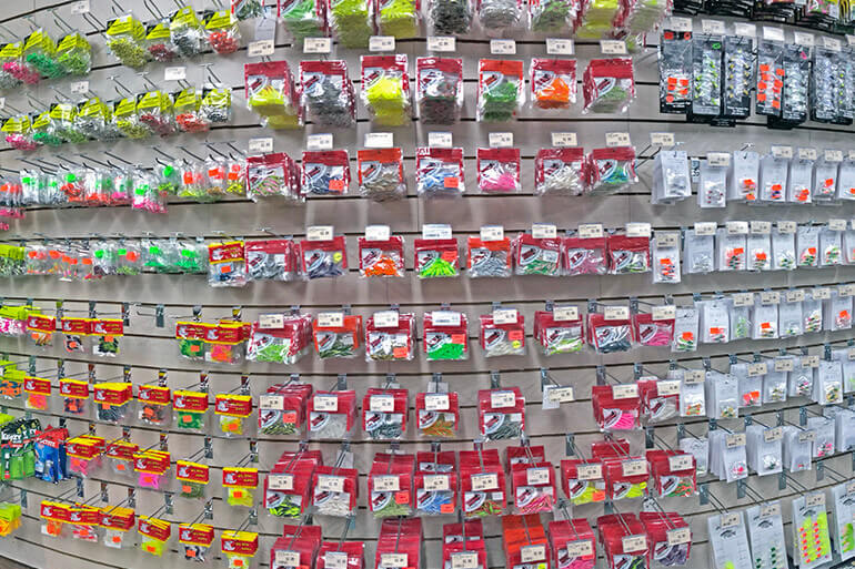 picking out a crappie jig