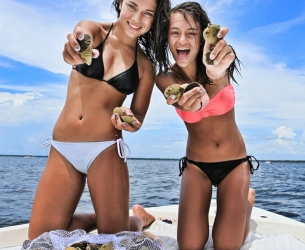 Scalloping with Alex and Savannah